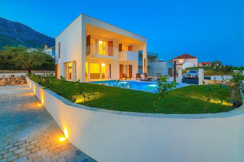 Villa Tina, vacation rental in Kastela