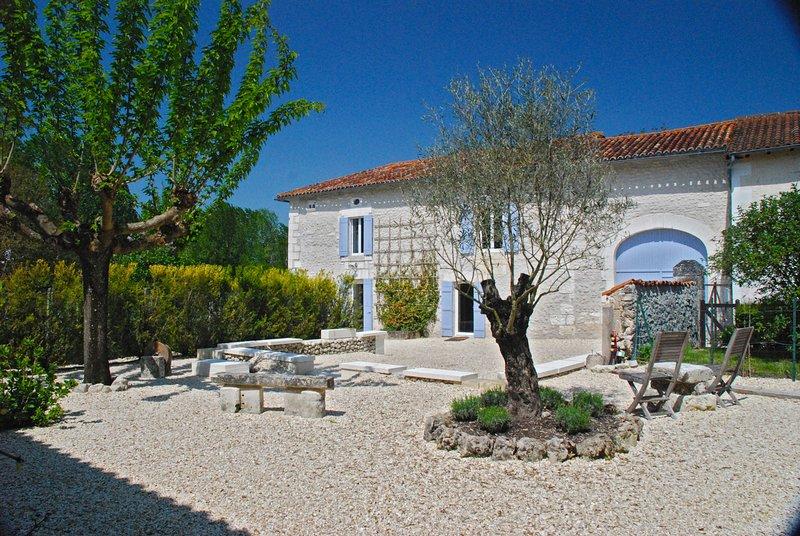 Maison Jasmin, holiday rental in Saint-Paul-Lizonne