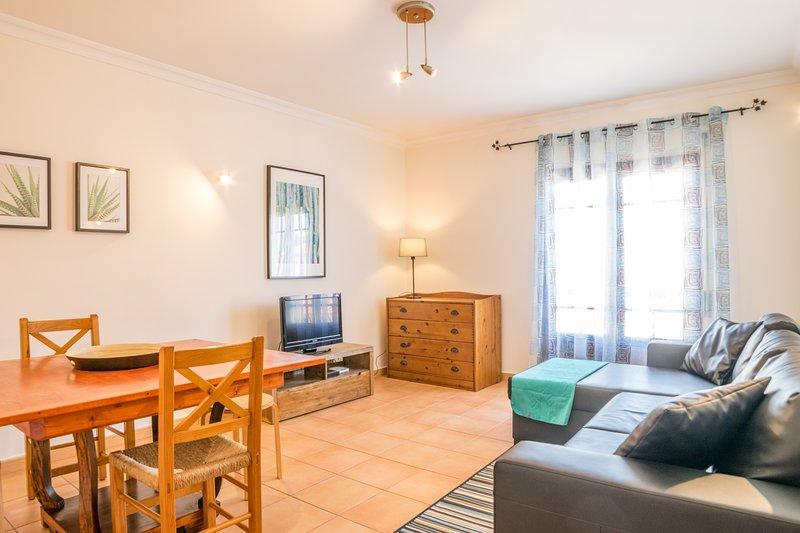 Aldon Apartment, Tavira, Algarve !New!, location de vacances à Santo Estevao