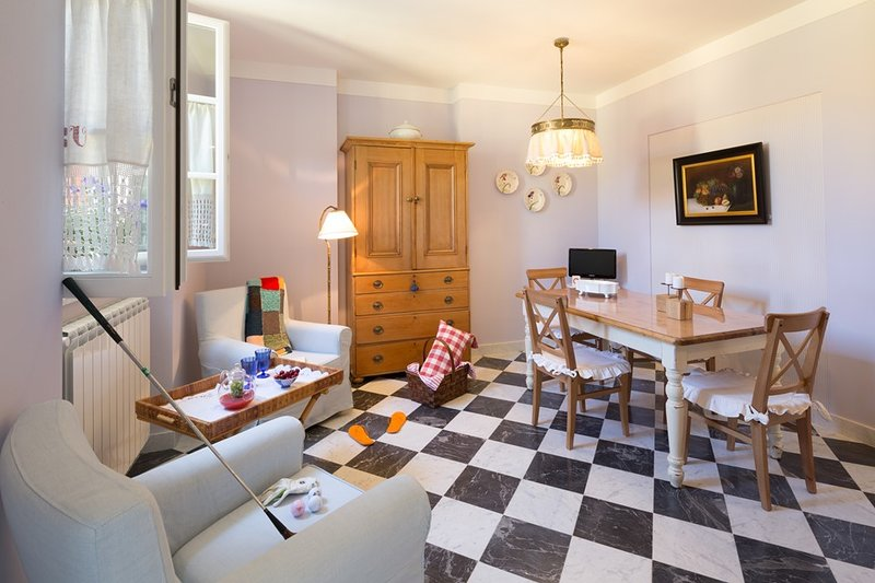 Apartment Armonia - Villa Ipoggioli, vacation rental in Marinella di Sarzana