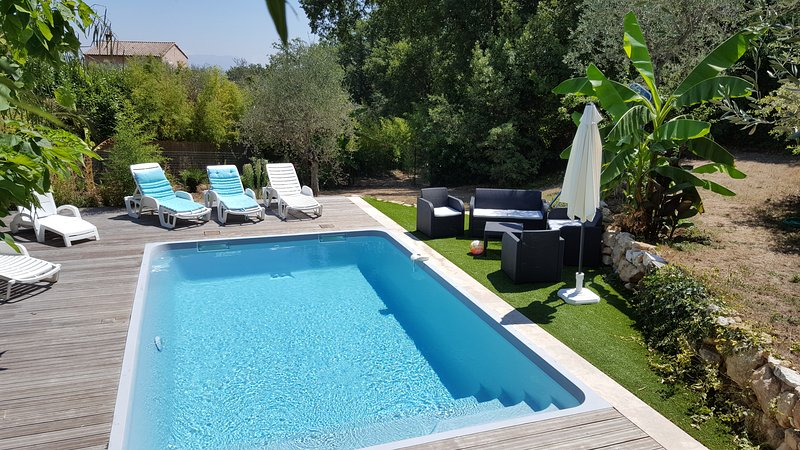 Amazing villa with swimming-pool, holiday rental in La Gaude