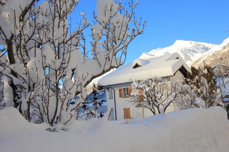 Chalet Cuore delle Alpi - Appartamento Gottardo, alquiler de vacaciones en Bedretto
