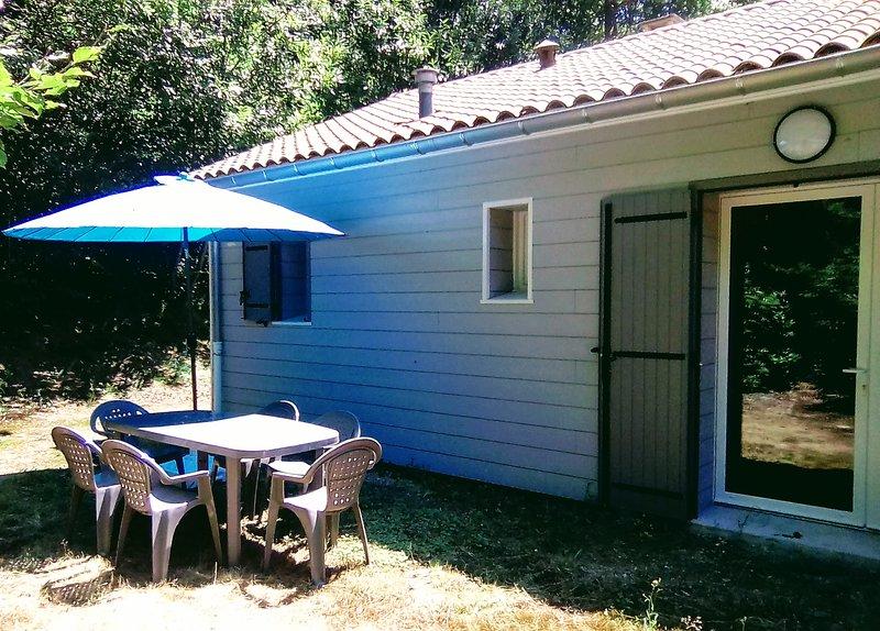 Gîte La Truite; pour 6 personnes, entre lac et forêt, Occitanie, casa vacanza a Mazamet