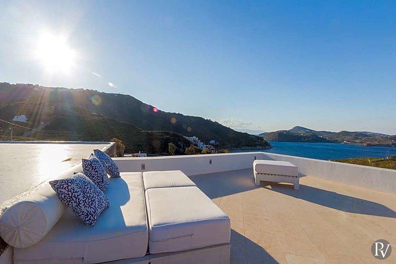 Grigos Villa Sleeps 6 with Pool - 5644358, casa vacanza a Grikos