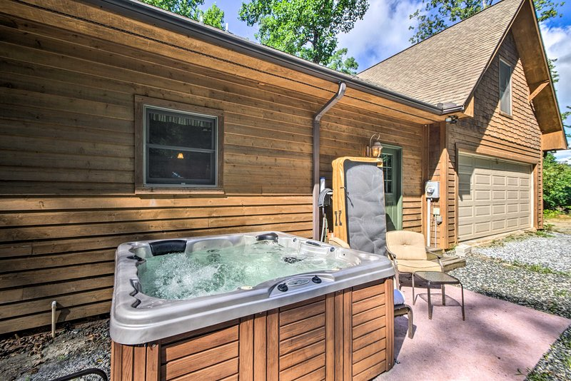 Tryon House W Hot Tub Near Equestrian Centers Updated