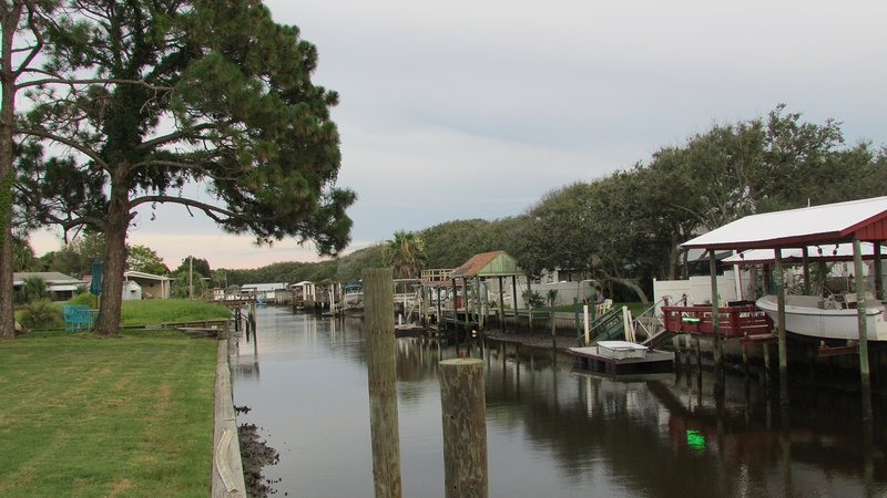 Salt Water Canal with Dock, Boat House and boat lift