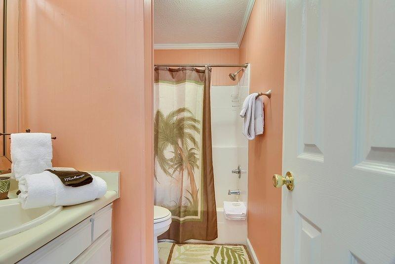 Gulf Highlands 169-Second floor shared bathroom