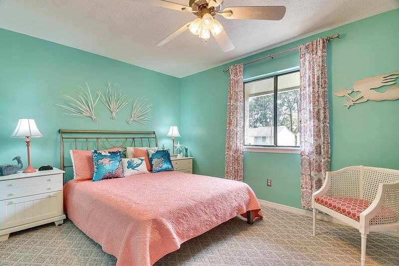 Gulf Highlands 169-Bedroom with Queen sized bed
