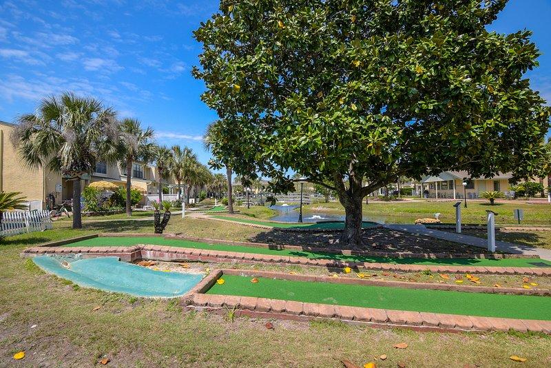 Gulf Highlands 169-Putt-Putt Golf behind condo