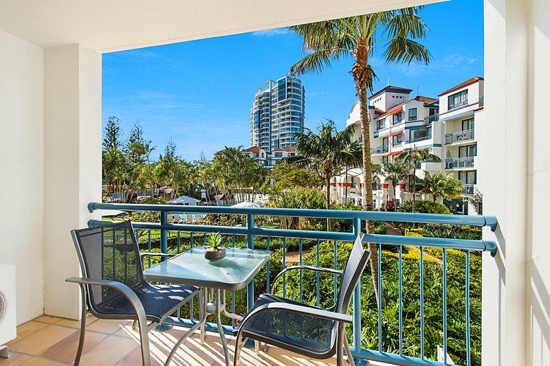 Calypso Plaza Resort Unit 215 Beachfront Studio Apartment, vacation rental in Tumbulgum