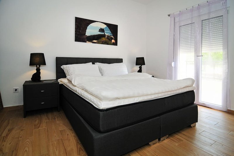 Brand new 'Forest Escape' Villa, Apartment No.4, holiday rental in Tivat Municipality