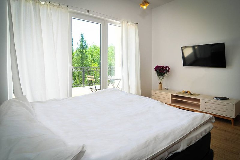 Brand new 'Forest Escape' Villa, Apartment No.5, holiday rental in Tivat Municipality