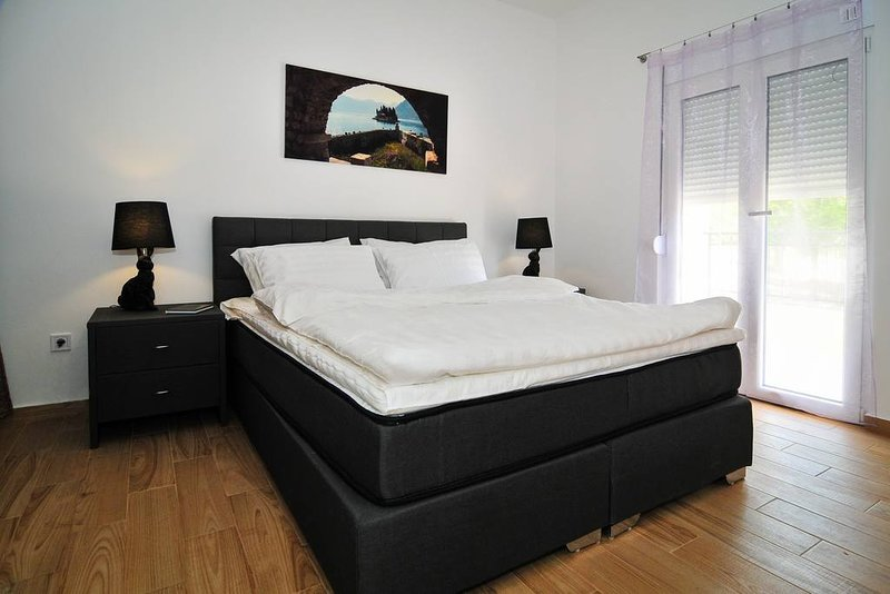Brand new 'Forest escape' Villa, Apartment No. 6, holiday rental in Tivat Municipality
