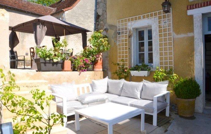 Spacious house with garden & Wifi, location de vacances à Ingrandes