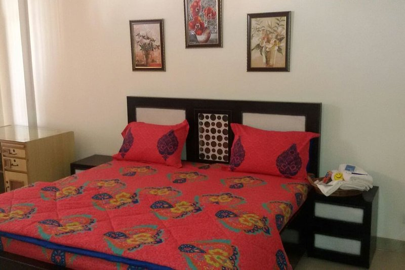 SB BEST FURNISHED HOME STAY Room 1, Ferienwohnung in Ambala