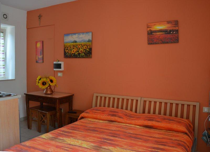 Soluzione in campagna comoda ed economica | Pink Flat Casale Re di Coppe, alquiler vacacional en Torino di Sangro
