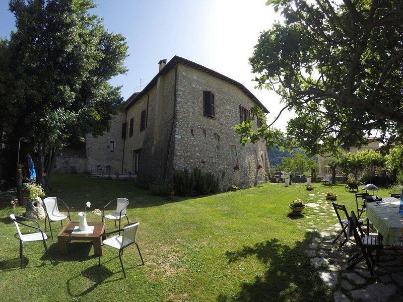 Beautiful apt with mountain view, Ferienwohnung in Borgo Cerreto