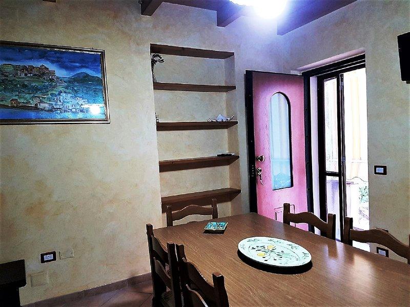 Beautiful apartment near the beach, location de vacances à Marina di Pisciotta