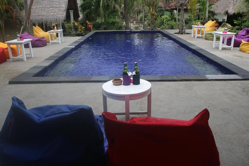 Pelangi Cottages - Standard Bungalow, 1 Double Bed, Beachfront, holiday rental in Gili Air
