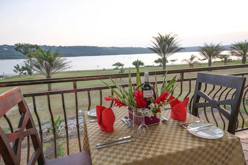 Deluxe Double Room 4, location de vacances à Bugala Island