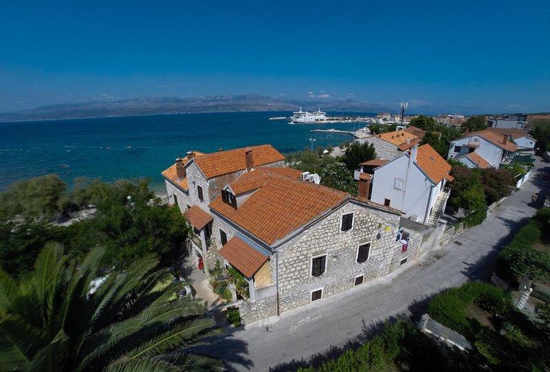 One bedroom apartment Supetar, Brač (A-11497-b), alquiler de vacaciones en Sumpetar
