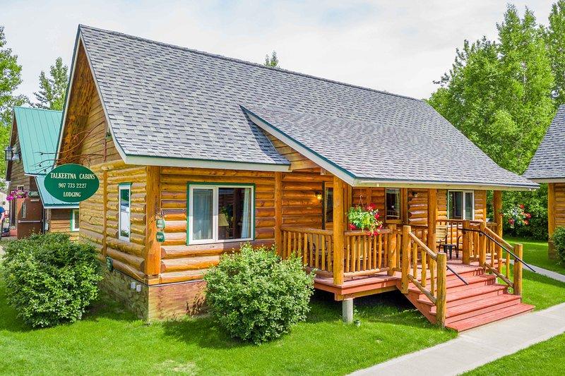 Beautiful Log Cabins located in downtown Talkeetna, vacation rental in Talkeetna