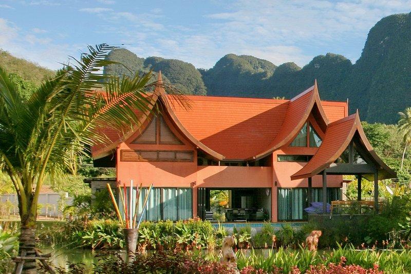 Tha Lane Bay Villa; Villa Bua Sea Front, alquiler de vacaciones en Ao Luek