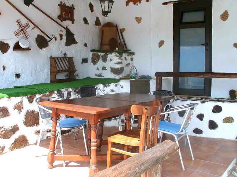 Beautiful house with terrace & Wifi, holiday rental in La Vegueta