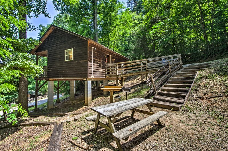 "La cabina per studio per le vacanze in affitto ""Gone Hiking"" ti aspetta a Bryson City!"