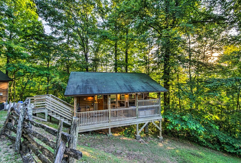 Enjoy the privacy of this secluded 1-bedroom, 1-bath property framed by trees.
