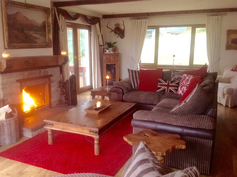 Callanish House - Callanish House Self Catering Sleeps 8, vacation rental in Arrochar