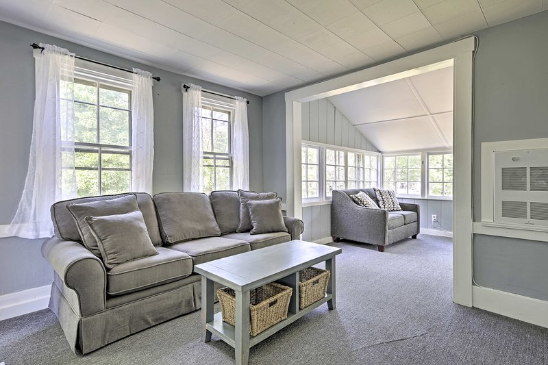 Explore the Cape Cod Coast from this vacation rental cottage!
