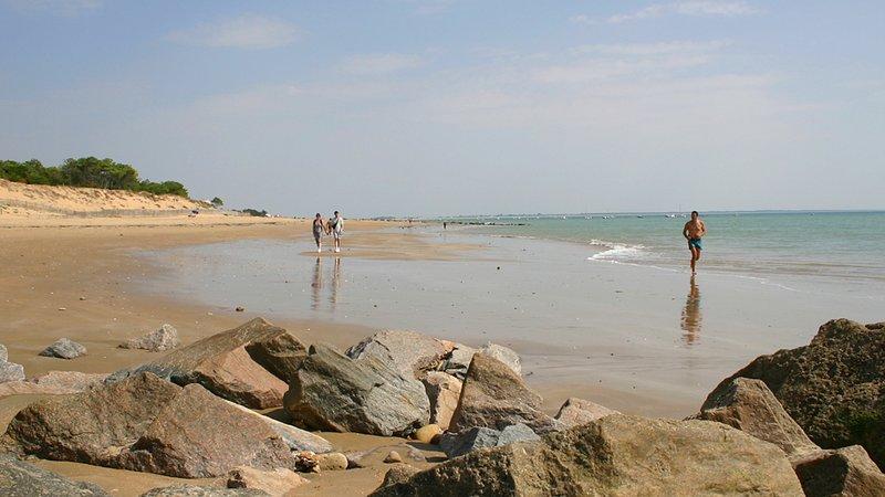 Cerca de hermosas playas La Tranche sur mer et 7 millas / 12km.