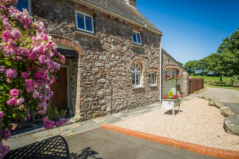 Winterton Cottage, holiday rental in Newgale