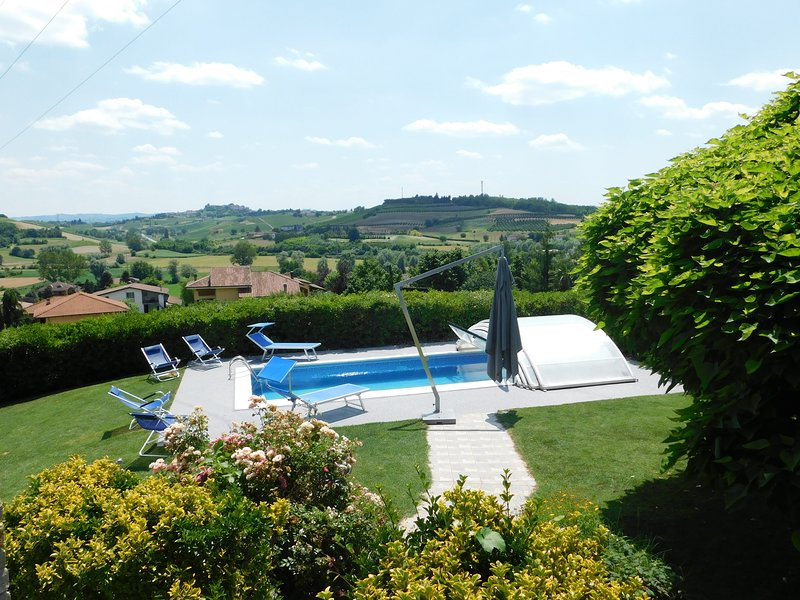 La Casa Blu Appartament Villa, Private Pool, Piedmont, Langhe, Unesco Heritage, vacation rental in Montegrosso d'Asti
