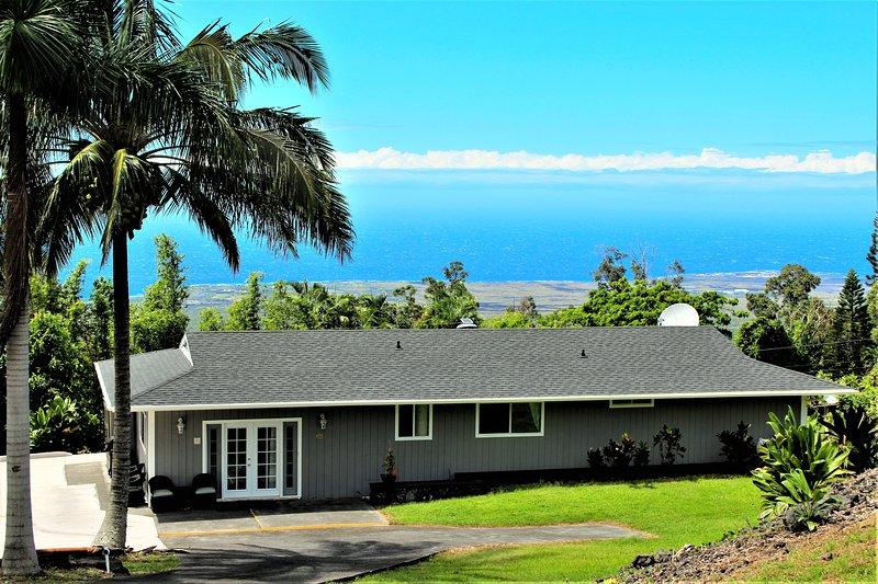 *Beautiful Setting*Private*Peaceful*In Kailua Kona*Stunning Views *New Jacuzzi*, holiday rental in Kalaoa