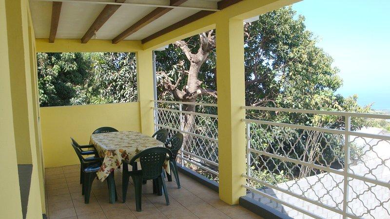 Amazing house with sea view & Wifi, location de vacances à Bois de Nefles