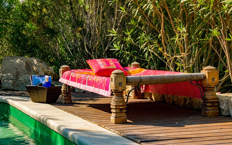 Piscina y daybed