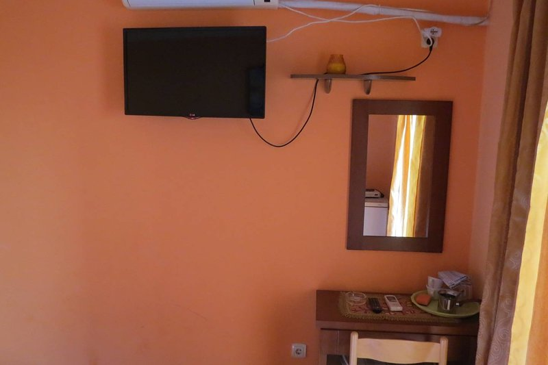 Oaza rooms 1/3, holiday rental in Petrovac