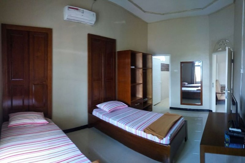 Ulka Guest House - Bedroom 10, vacation rental in Banda Aceh