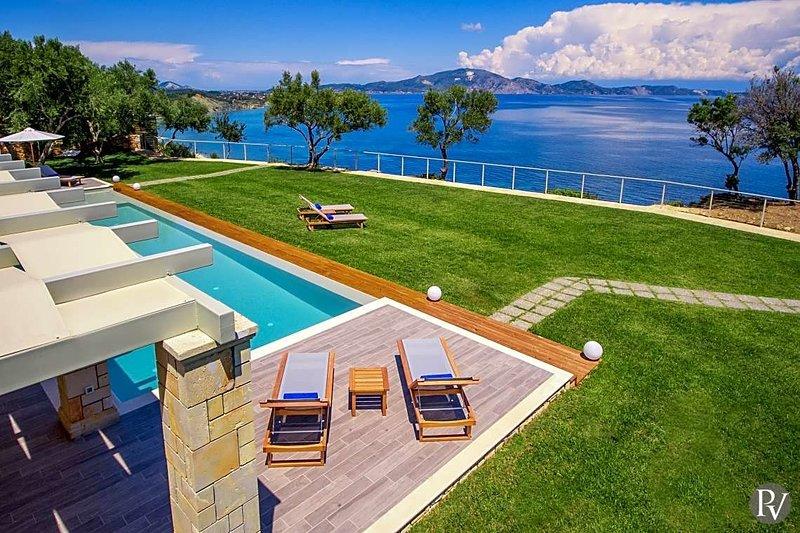 Limni Keriou Villa Sleeps 8 - 5644614, location de vacances à Marathias