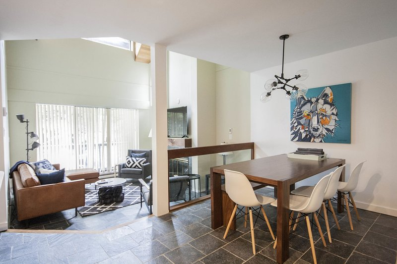 Spacious open concept townhome w/ sunken living area