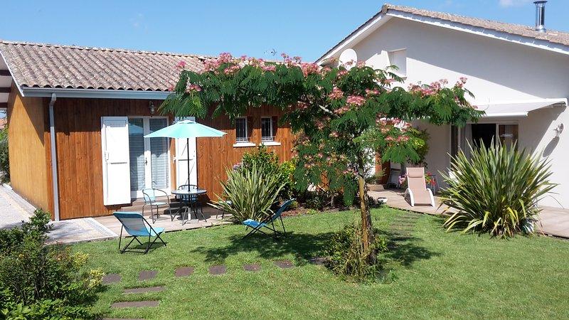 L'Etape du Bassin.Chambre d'hôtes 'Galets', vacation rental in Cap-Ferret