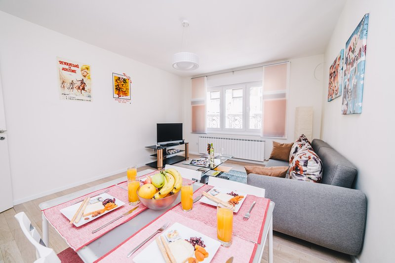 Contemporary and modern apartment- BEST LOCATION, holiday rental in Sarajevo