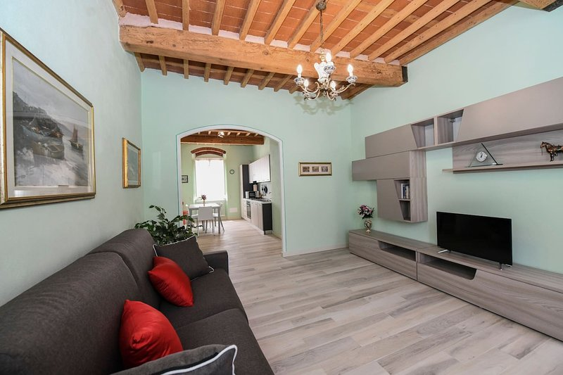 La Mansarda Attic, vacation rental in Santa Maria del Giudice