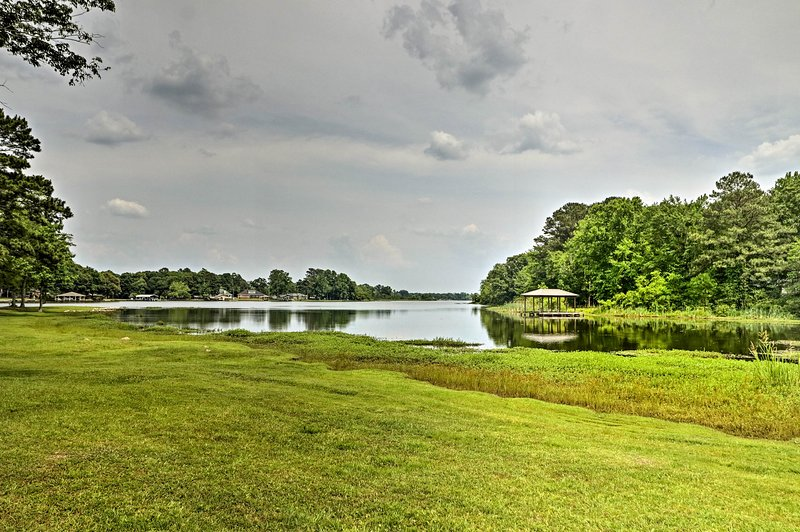 Wake up to waterfront views each day of your stay on Jordan Lake!
