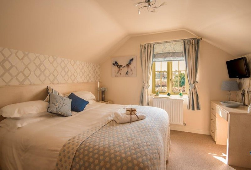 Hidden Gem with Hot Tub  5* Gold Self Catering Village Location, holiday rental in Glentham