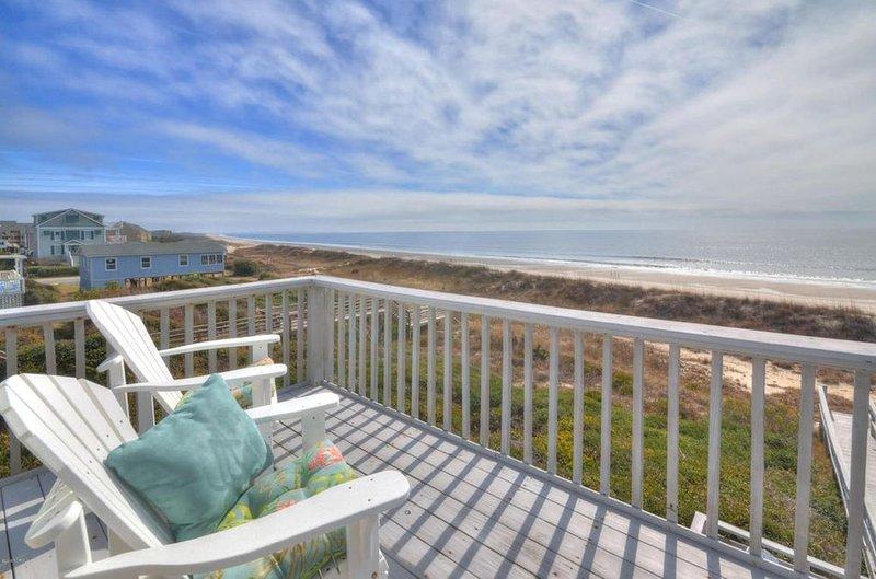 Ocean Front Get a Way - Yaupon Beach, Oak Isand., location de vacances à Caswell Beach