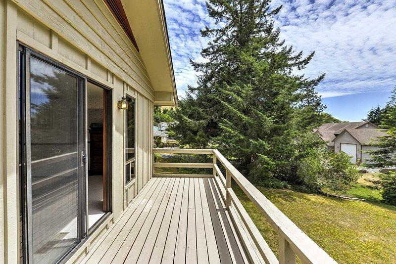 Situado en una calle residencial tranquila a pocos minutos de la playa, esta casa para 8 es el epítome de acogedor.