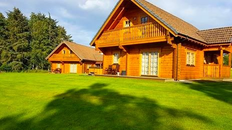 Turleum Lodge, part of Mountwood Lodges, holiday rental in Auchterarder